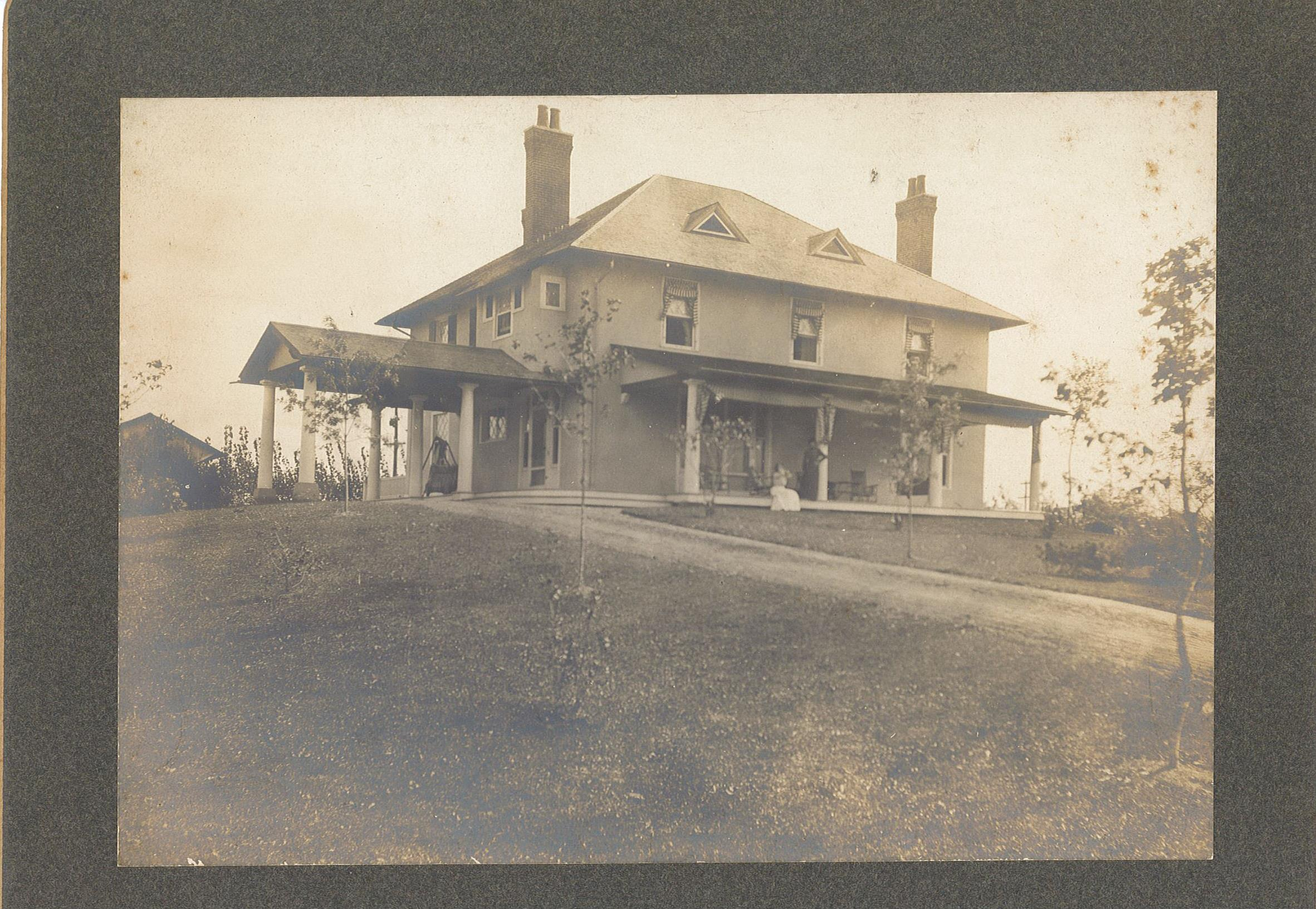 Image of Charlton Farm house in Avon